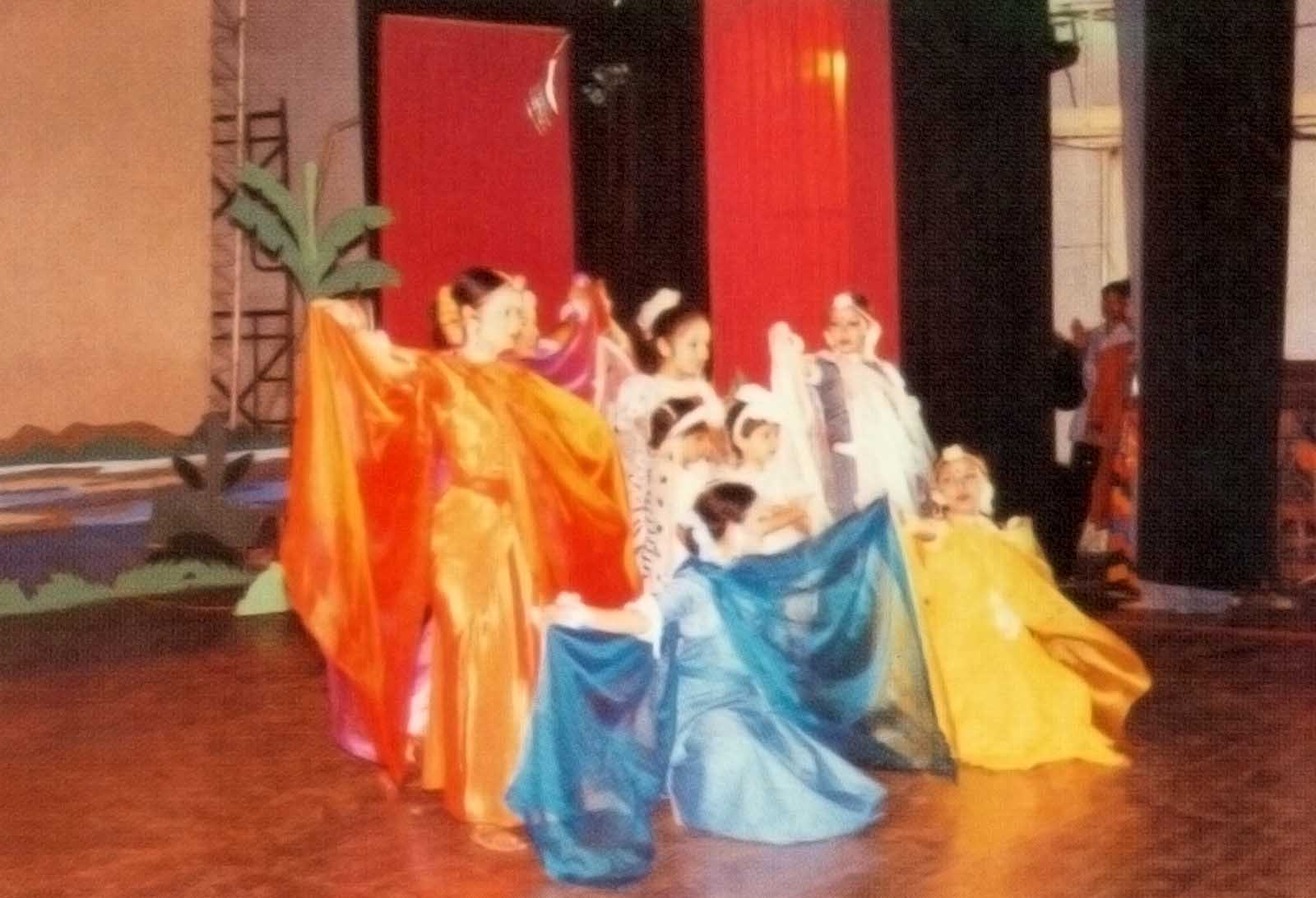 Another glimpse of the cultural program of the 13th ACMR Bangladesh, 1997