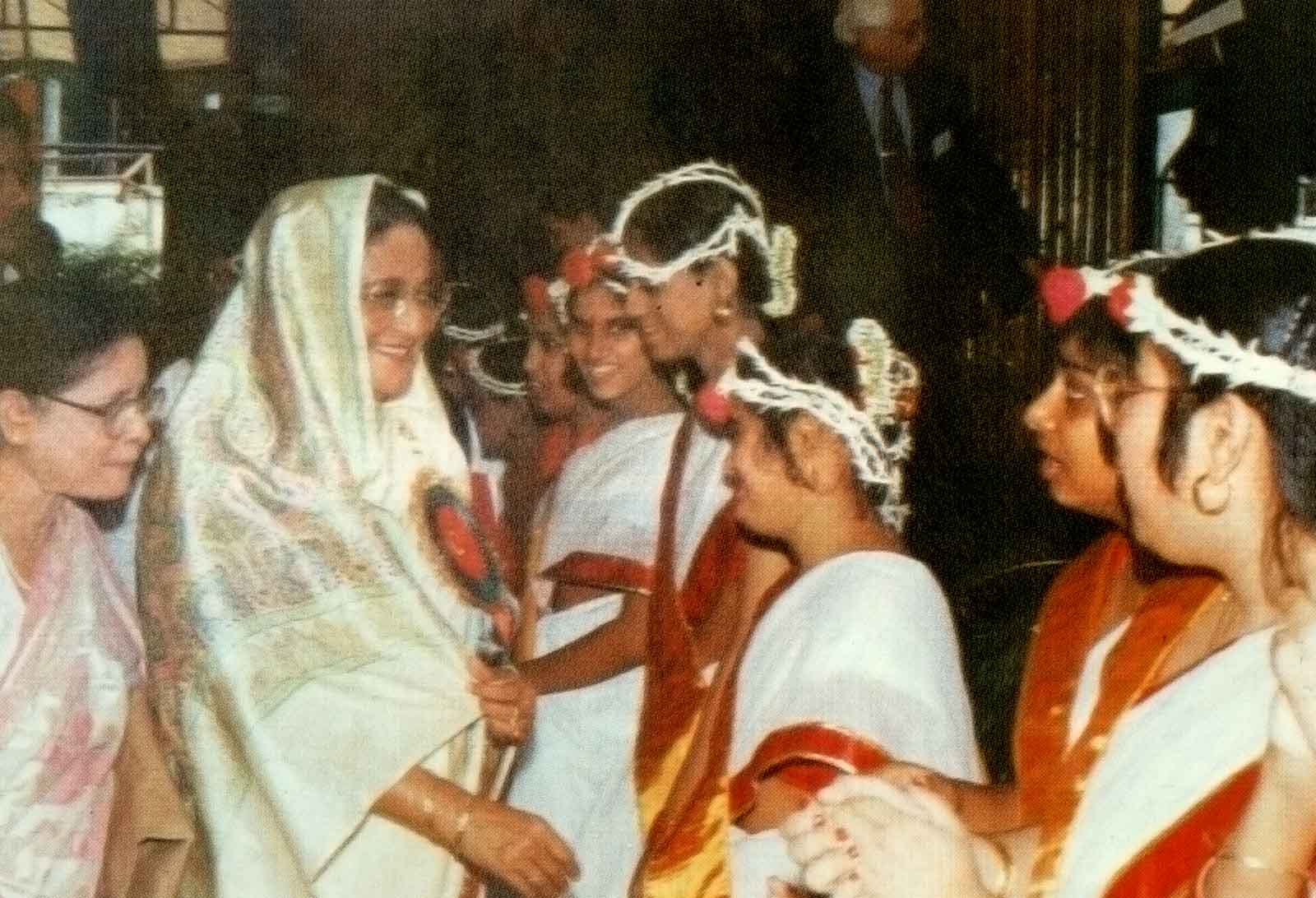 Prime Minister Sheikh Hasina with some performers at the 13th ACMR Bangladesh, 1997